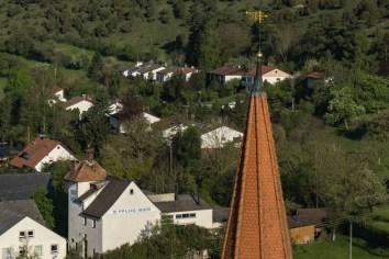 Wann kommt man schon mal so nah an einer Kirchturmspitze vorbei. ?