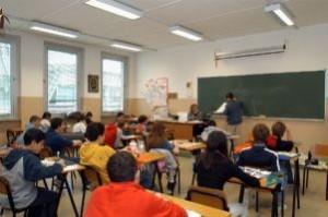 Ragazzi di scuola media in classe