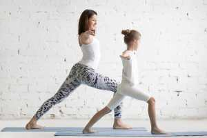 yoga famille enfant enfants parent parents superbanane