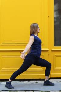 Guerrier Posture yoga variation vinyasa Virabhadrasana 1