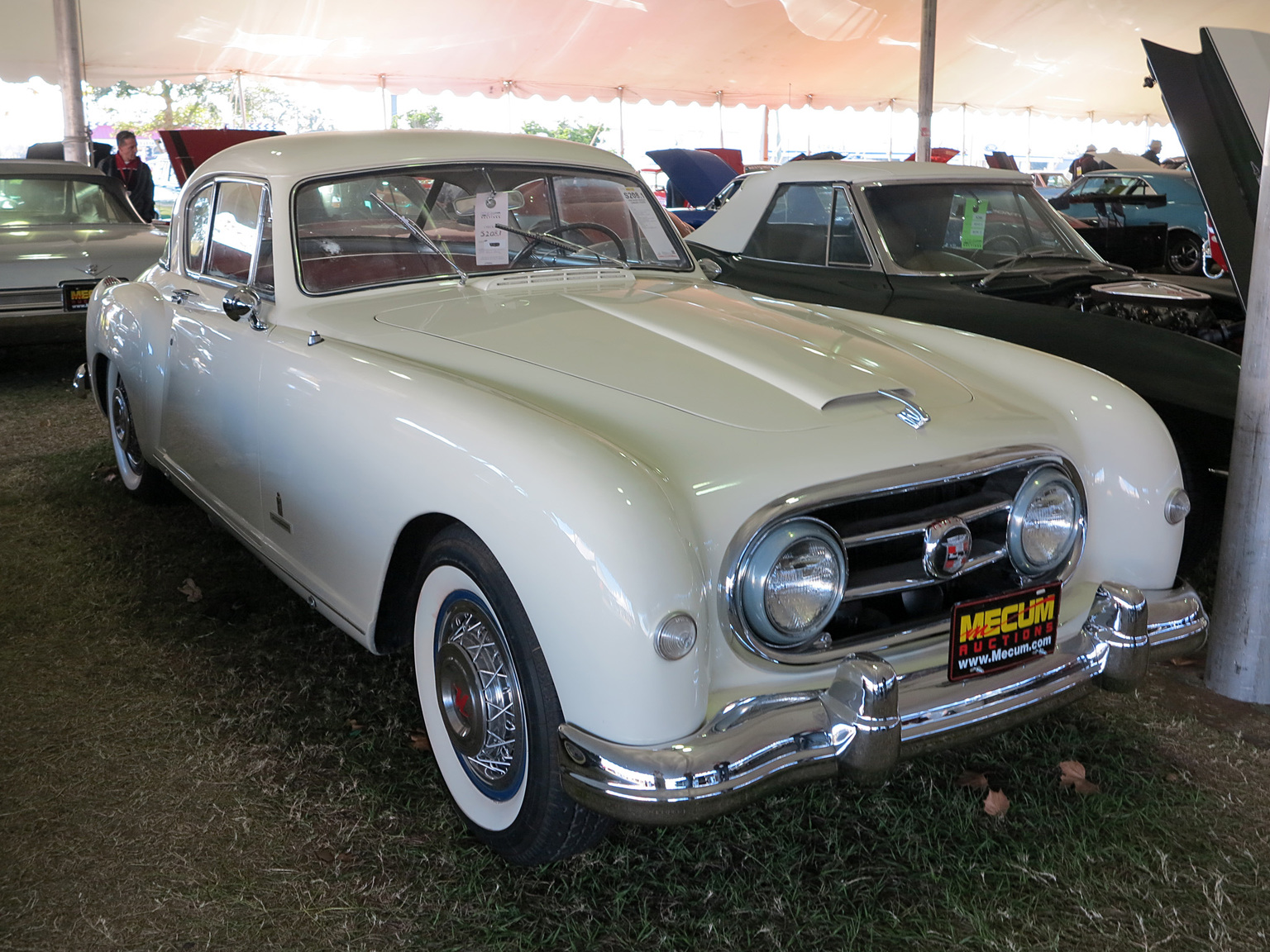 Nash Healey Le Mans Coupe