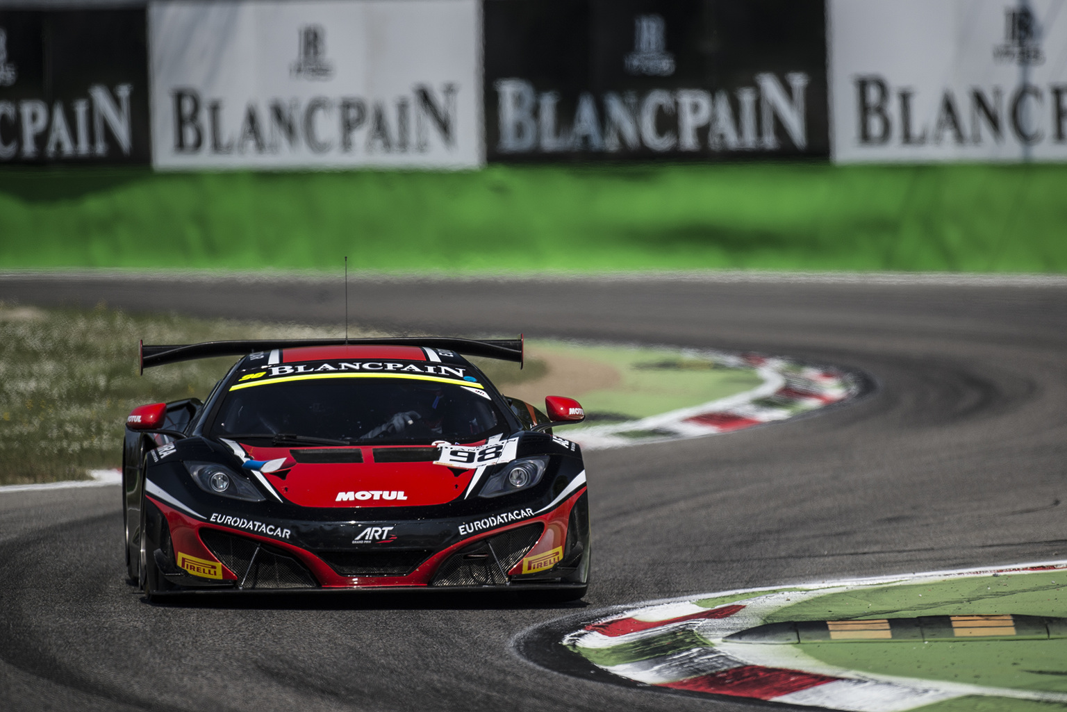 hight resolution of 2014 blancpain gt series begins at monza