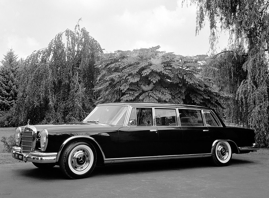 Image gallery mercedes benz 600 limousine for Mercedes benz 600