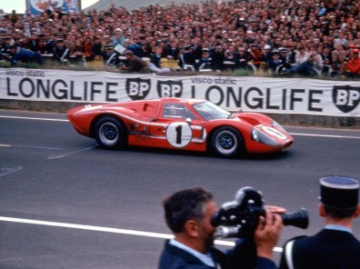 1967_Ford_GT40MarkIV13
