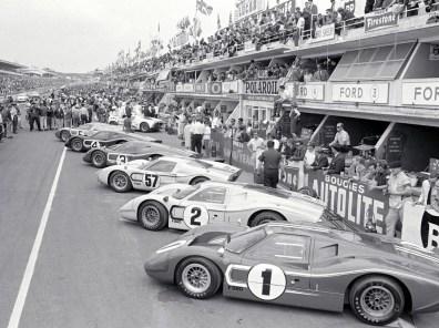 1967_Ford_GT40MarkIV7