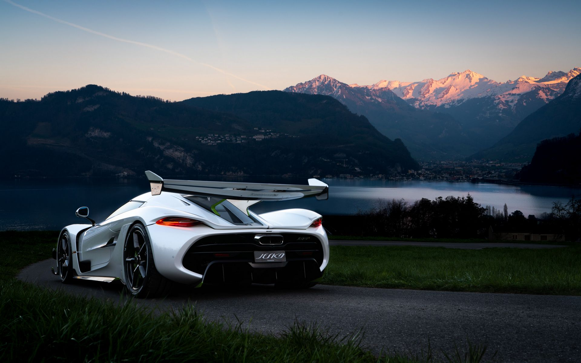 Feast Your Eyes On These Koenigsegg Jesko Images News