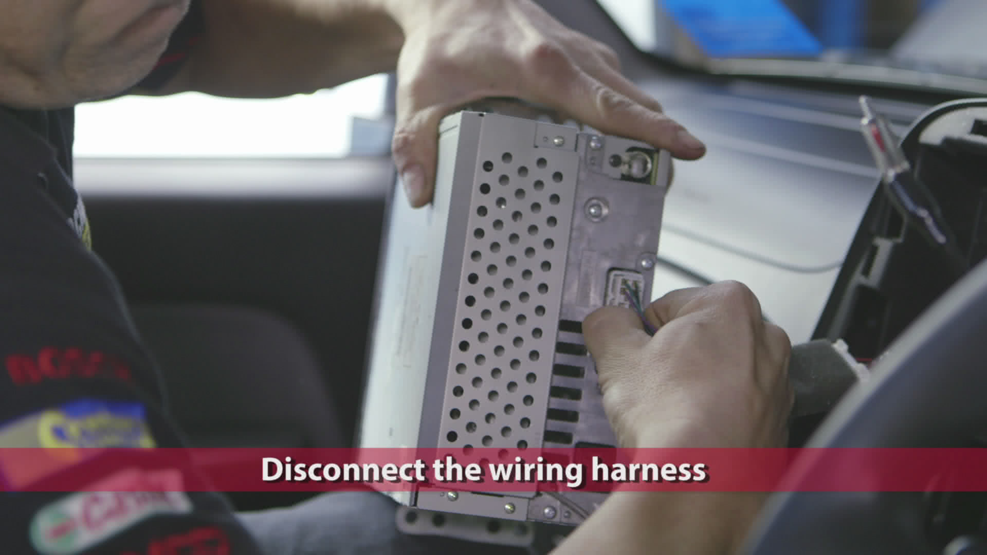 hight resolution of disconnect the wiring harness from the back of the headunit simply press down the tab to remove it