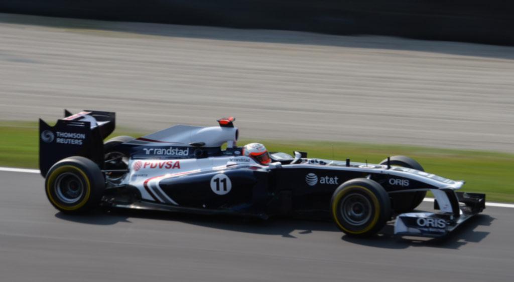 F1 Rubens Barrichello em 2010 foto by Flickr Nic-Redhead