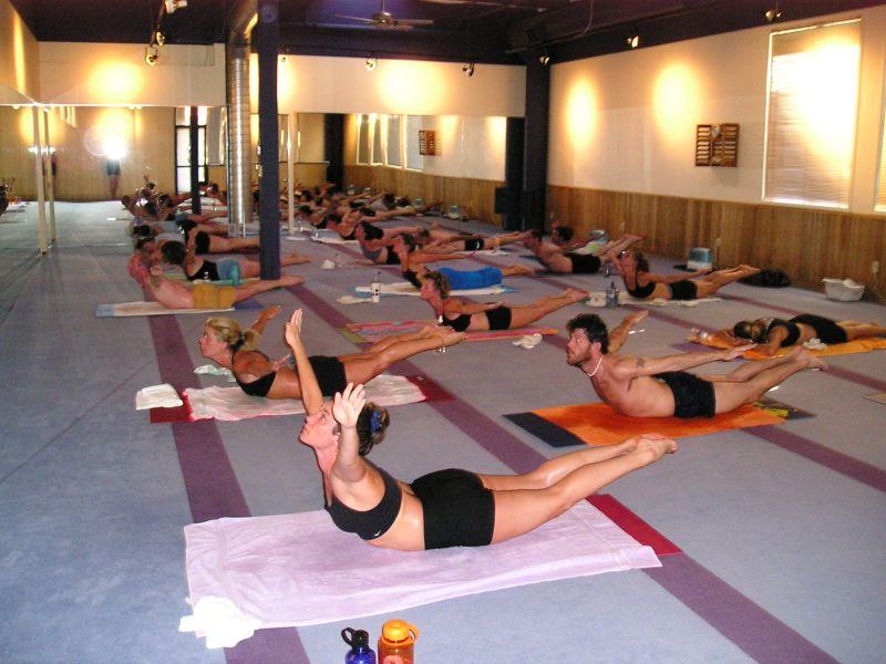 bikram-yoga-Bi