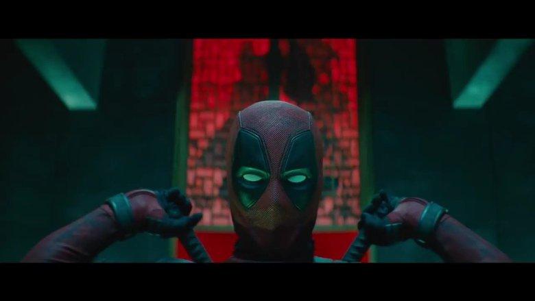 Deadpool-2-Double-Sword-Pose