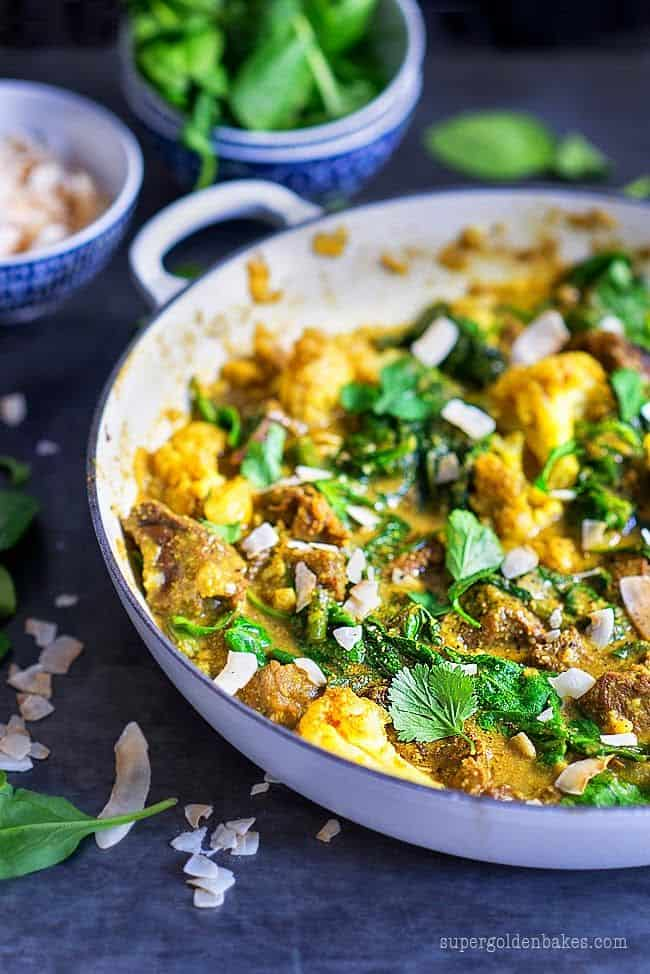 One-pot beef curry with spinach & cauliflower