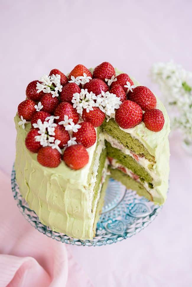 Matcha pairs so well with strawberries. This matcha and strawberry layer cake looks spectacular and tastes absolutely delicious.