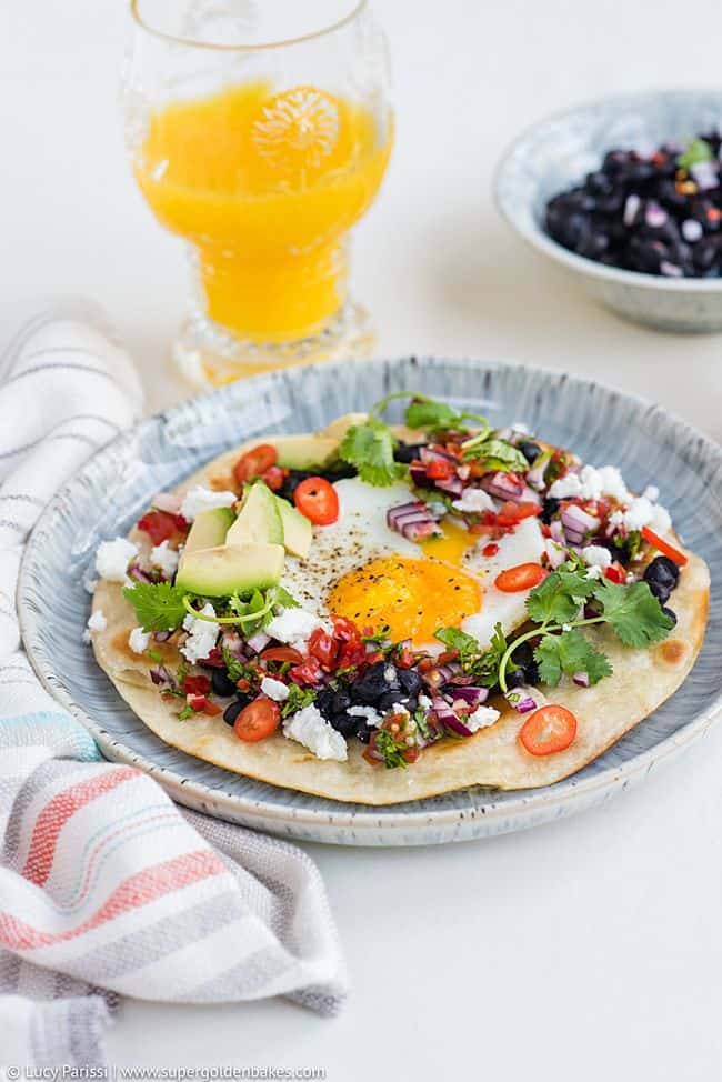 Huevos Rancheros - Spicy Mexican Eggs | Supergolden Bakes