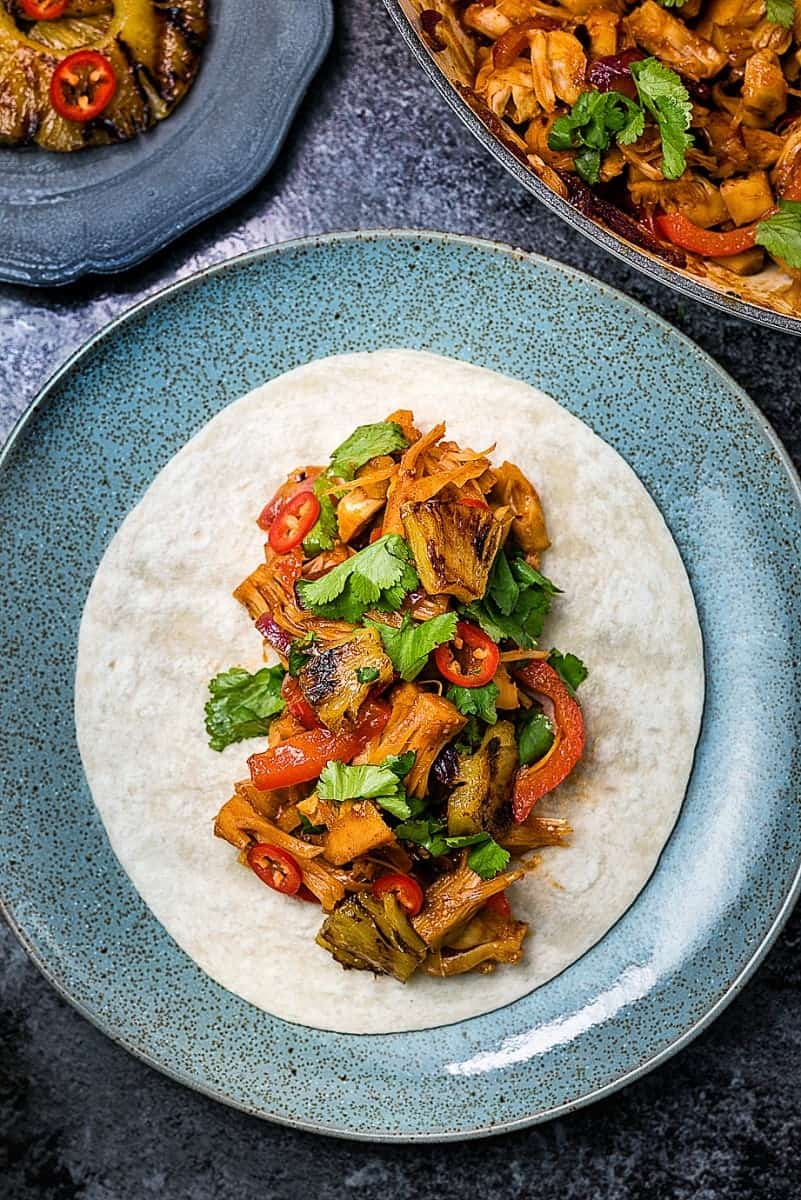 Spicy vegan jackfruit 'pulled pork' tacos with grilled pineapple