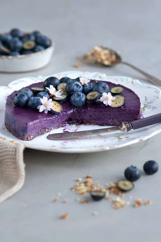 This raw vegan blueberry smoothie cake is naturally sweetened, gluten free and totally delicious.