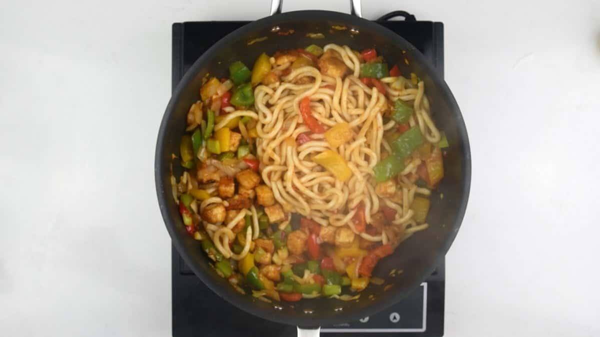 Adding udon noodles to tofu stir fry