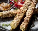 chicken skewers P9NBXRM - Steak de boeuf BLEU BLANC BELGE