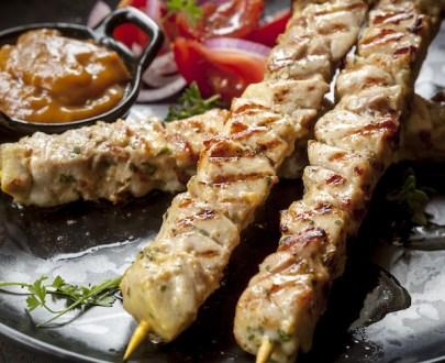 chicken skewers P9NBXRM - Brochette de volaille