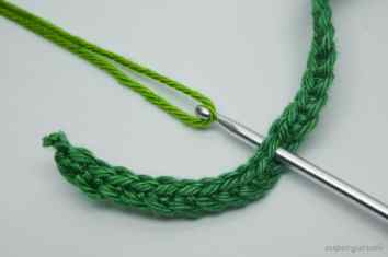 Crochet Leaf Cable Tie Step 8