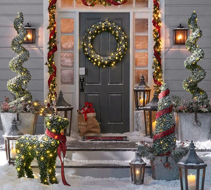 Decorate A Door For Christmas