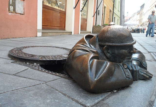 worlds-most-creative-statues-18