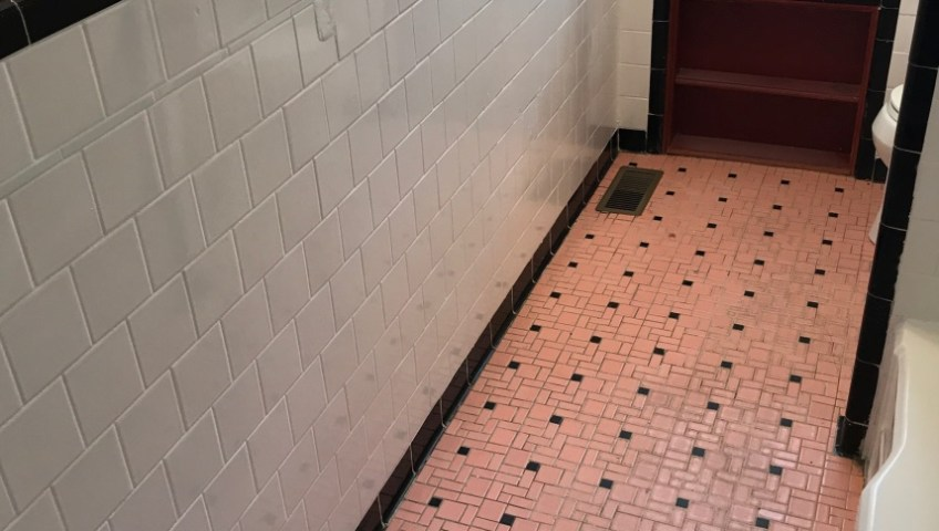 Refinishing Tile Is the Most Transformative Fix for a Dated Bathroom