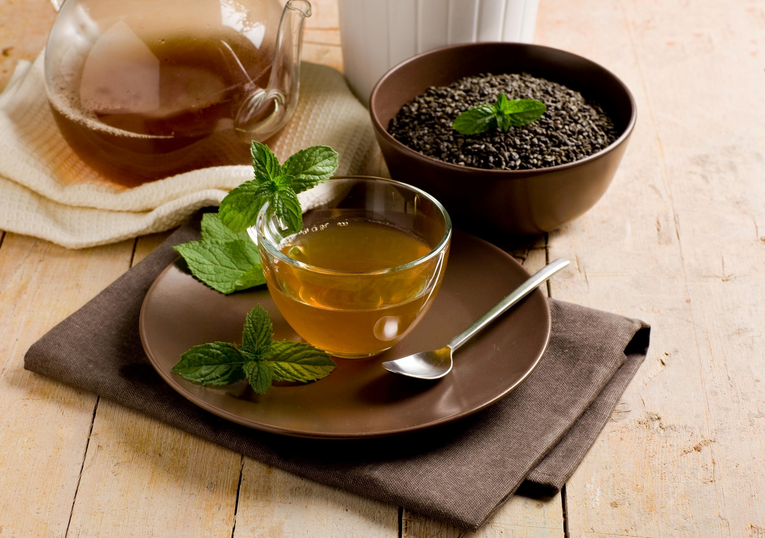 Cute Mint Green Wallpaper Hot Tea And Coffee Beans Beautiful Flavours