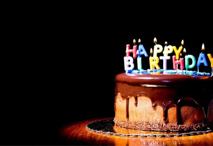 Delicious Chocolate Birthday Cake Hd Wallpaper