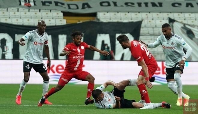 Beşiktaş evinde Antalyaspor'a 2-1 kaybetti