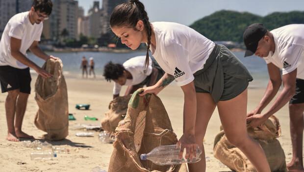 adidas, plastik atıkların önüne geri dönüşümle geçecek