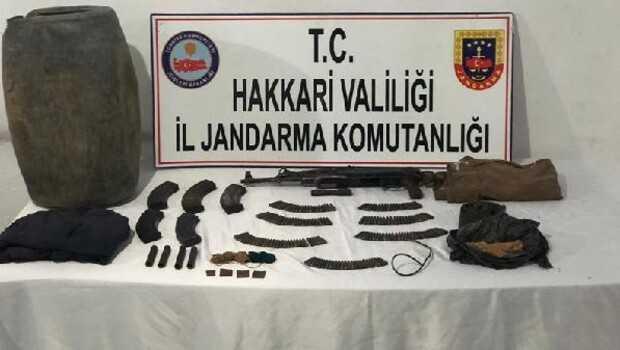 Şemdinli'de PKK'lı teröristlere ait silah ve mühimmatı ele geçirildi