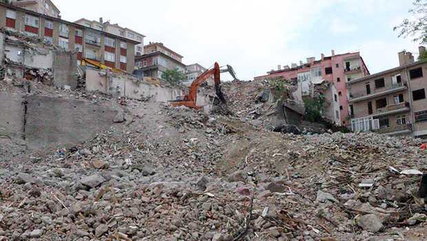 Ankara'da Açelya Apartmanı'nın çevresindeki 7 bina daha yıkıldı