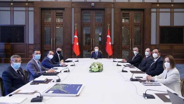 Cumhurbaşkanı Yardımcısı Oktay, Bakan Pakdemirli ile KKTC Tarım ve Doğal Kaynaklar Bakanı Çavuşoğlu'nu kabul etti
