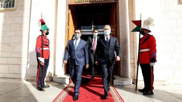 Son dakika… Bakan Akar'dan Irak Savunma Bakanı Anad ile kritik görüşme!