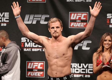 Islandês Gunnar Nelson vai ter pela frente o veterano Mike Pyle no UFC 160. Foto: Josh Hedges/UFC