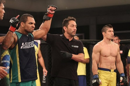 Besouro (esq.) durante o TUF Brasil 2. Foto: Divulgação/UFC