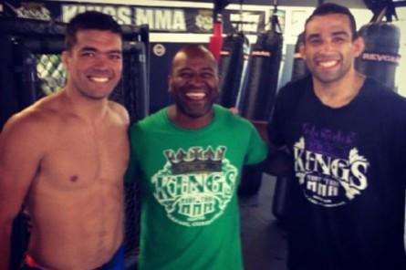 Lyoto (esq.) treina com Rafael Cordeiro (c) e F. Werdum (dir.) na Kings MMA. Foto: Reprodução/Instagram