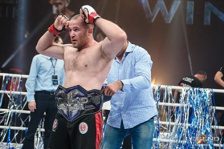 Russo Oleinik revela ter sido contratado pelo UFC. Foto: Divulgação/Legend