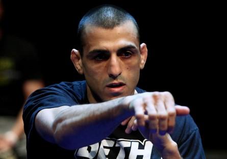 G. Sotiropoulos (foto) foi demitido pelo Ultimate juntamente com R. Sexton e A.Sakara. Foto: Josh Hedges/UFC