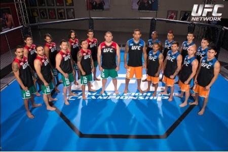 Elenco do TUF América Latina na foto característica do reality show. Foto: Reprodução/Twitter
