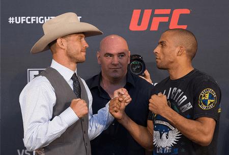 E. Barboza (dir.) não esconde desejo de reencontrar D. Cerrone (esq.). Foto: Josh Hedges/UFC