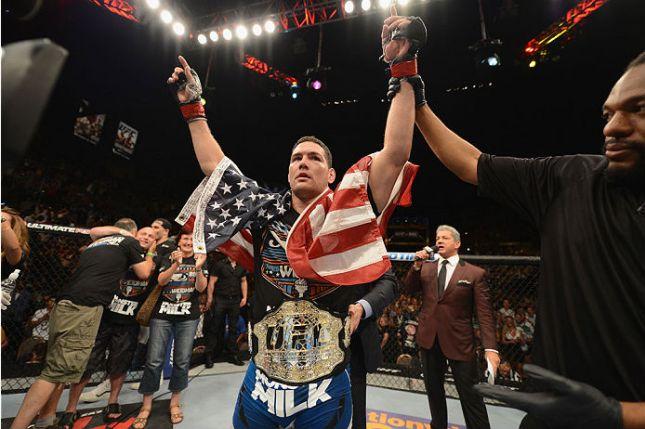 C. Weidman (foto) é o médios do UFC desde 2013. Foto: Josh Hedges
