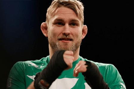 A. Gustafsson (foto) deverá fazer mais uma luta antes de disputar cinturão, diz White. Foto: Josh Hedges/UFC