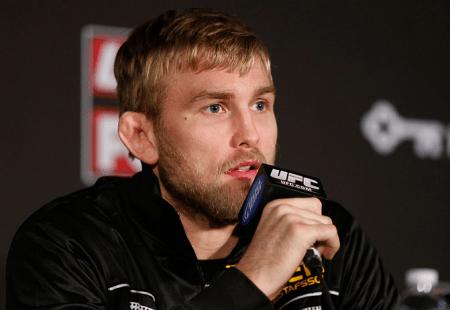 Gustafsson (foto) não luta desde março deste ano. Foto: Josh Hedges/UFC