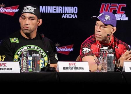 Werdum (esq.) saiu em defesa de Wanderlei (dir.). Foto: Divulgação/UFC