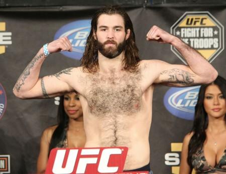 Boa ação de C. Mackenzie (foto) o ajudou a bater o peso. Foto: Josh Hedges/UFC