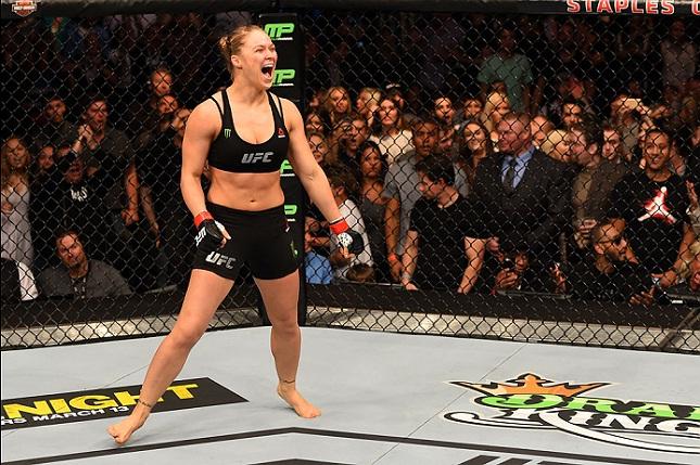 Ronda foi quem mais brilhou, mas não quem mais faturou no UFC 184. Foto: Josh Hedges/UFC