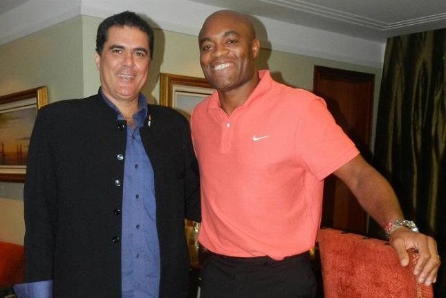 """Anderson em encontro com o presidente da CBTKD quando foi nomeado """"Embaixador"""" da modalidade. Foto: Divulgação"""