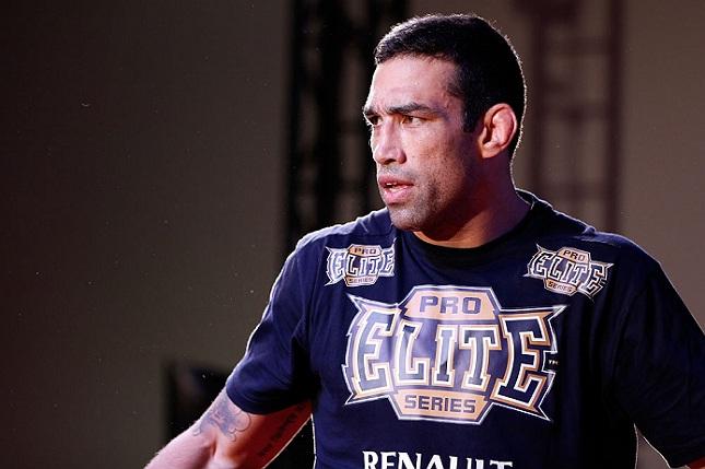 F. Werdum (foto) conquistou o cinturão no último dia 13 de junho, no México. Foto: Josh Hedges/UFC