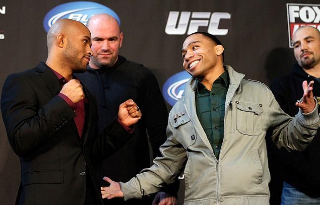Johnson (esq.) e Dodson (dir.) já se enfrentaram em 2013, com vitória para o campeão. Foto: Josh Hedges/UFC
